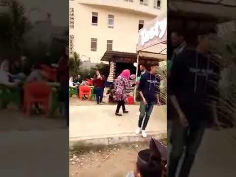 """شيخ الأزهر يتدخل في قضية فتاة """"فيديو الحضن""""!"""