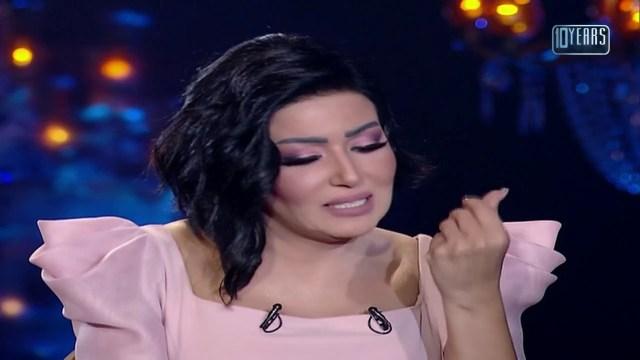 """انهيار وبكاء سمية الخشاب بعد تذكرها """"لحظات أليمة"""" مع طليقها أحمد سعد"""