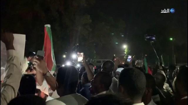احتفالات في السودان بعد إقرار الوثيقة الدستورية