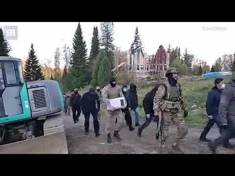 """روسي يعلن بأنه """"يسوع المسيح """" وأتباعه بالآلاف.. ويصف وباء كورونا بالنعمة"""