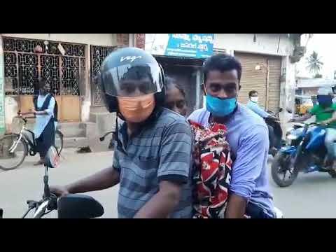 طريقة نقلها أثارت ضجة.. فيديو لنقل أم هندية متوفاة بكورونا على دراجة نارية لعدم توفر سيارة إسعاف