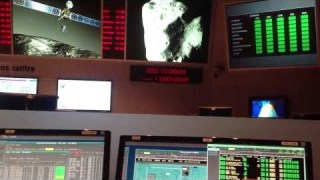 ESOC Main Mission Control counts down to #wakeuprosetta