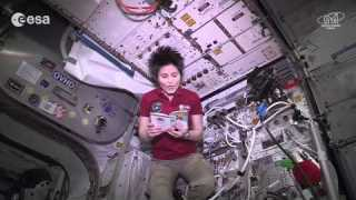 Rhymes from space: Samantha reads Gianni Rodari (in Russian)