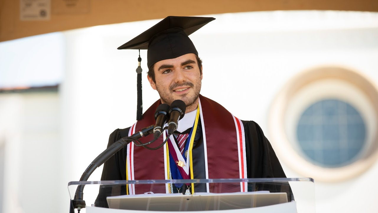 2019 Valedictorian Address by Alfredo Yei Hernández