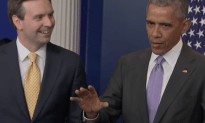Obama Surprises Josh Earnest at His Last White House Press Briefing