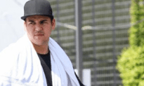 Rob Kardashian Steals Photog's Memory Card For Taking Pics of His Naked Fat Tummy