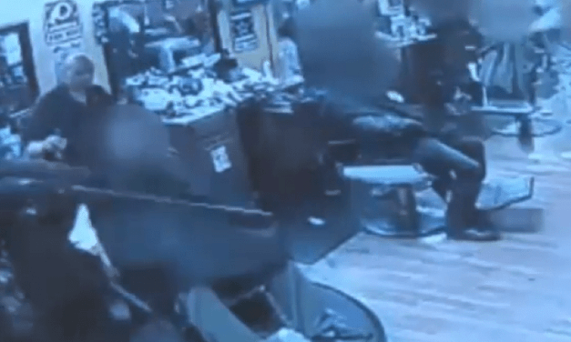 Armed Men Invade Barber Shop With Big Guns