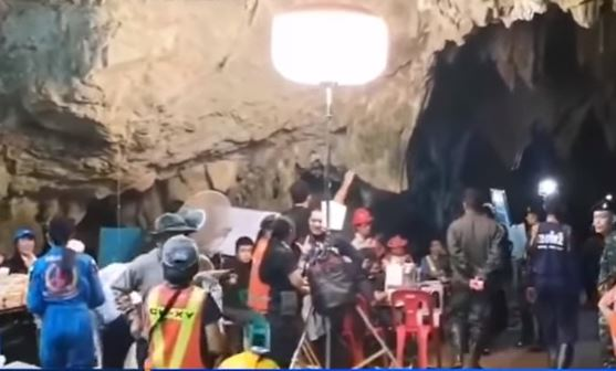 Thai Diver Dies In Cave Rescue of Soccer Team