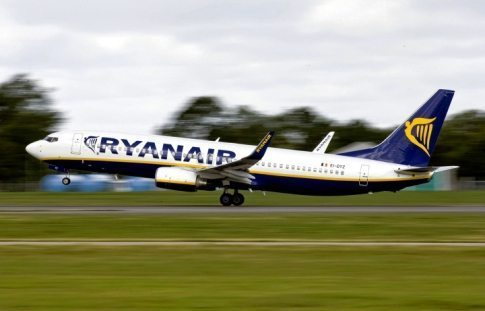 European Airline Ryanair Thinking of Adding Porn to Its Flights