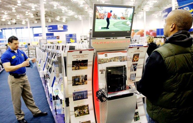 Las tiendas también tienen videojuegos en soporte físico baratos o de saldo