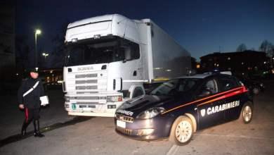 Photo of Piazzolla di Nola – Rapinano un tir carico di elettrodomestici: 36enne arrestato, si cercano i complici