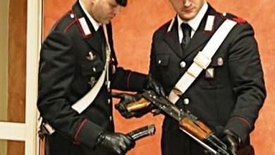 Photo of Sant'Antimo – Casalinga arrestata per aver tenuto un mitragliatore per conto del clan