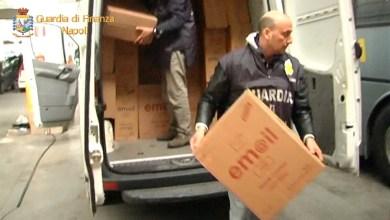 Photo of Napoli – Sequestrate oltre 3 tonnellate di sigarette di contrabbando: 6 persone arrestate