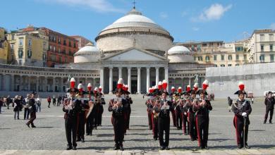 Photo of Napoli – Pasqua: la fanfara dei Carabinieri si esibisce tra la gente