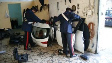 """Photo of Melito di Napoli – Carabinieri scoprono centro per """"cannibalizzazione"""" auto rubate."""