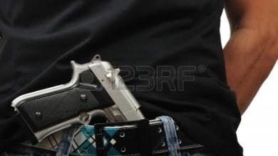 Photo of San Giuseppe Vesuviano – In giro con pistola carica nella cintola dei pantaloni: arrestato un 32enne
