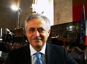 """Photo of Portici – Rassegna """"Ti presento un libro"""": in vetrina """"La camorra e l'antiracket"""""""