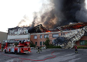 Photo of Sassano – Vasto incendio distrugge fabbrica di scarpe e birrificio