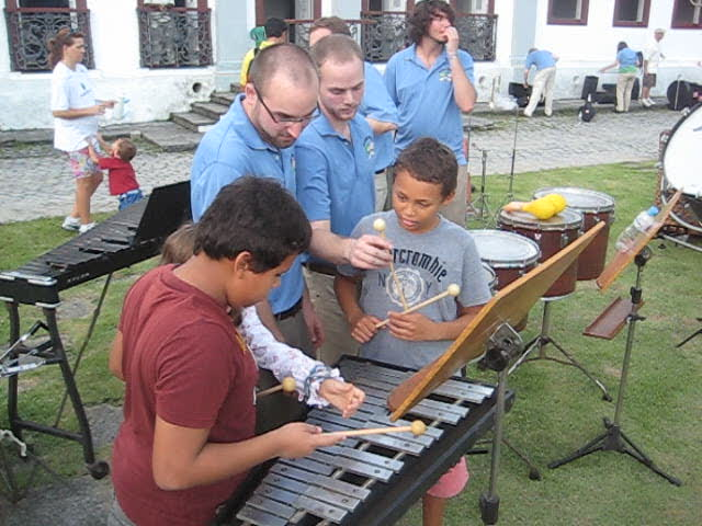 Jacob Eastman gives impromptu lesson at Jardim Botânico