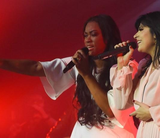 Elaine Martins ft. Fernanda Brum - 'Lindo Presente' | Letra e clipe