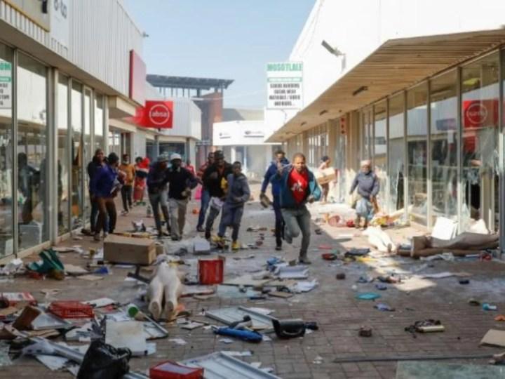 Afrique du Sud: Incarcération de J. Zuma: 4ème jour de violences, l'armée déployée