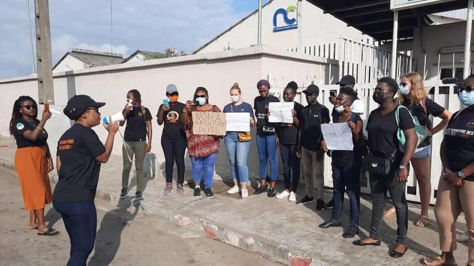 Urgent: C'est gâté à NCI- manifestation devant les locaux de  NCI en ce moment