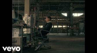 Tainy, Bad Bunny, Julieta Venegas - Lo Siento Bb:/ (Official Video)