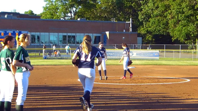 St Paul scores 5 in 6th to defeat Coventry, 9-8