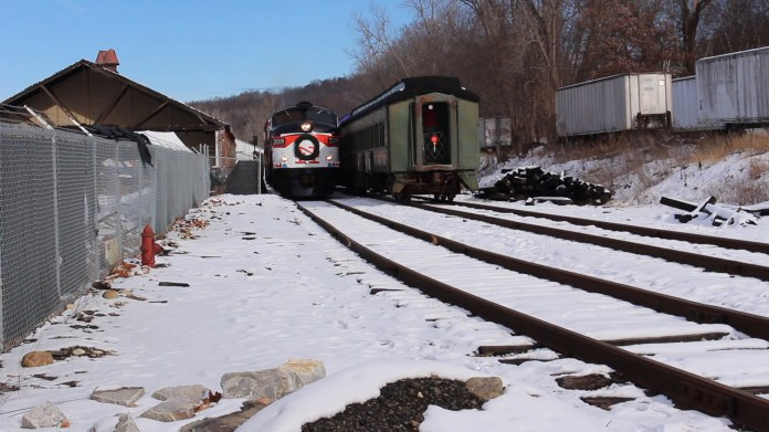 A General Motors diesel locomotive produced in November 1960 got its start on the New York, New Haven and Hartford Railroad and has been pulling cars on for the Naugatuck Railroad since 2002. Engineer Howard Pincus takes us inside the cab.
