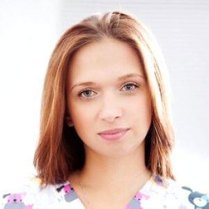 Кадочникова Елена Андреевна. Ветеринарный врач, репродуктолог. Член Европейской Ассоциации репродукции мелких животных.