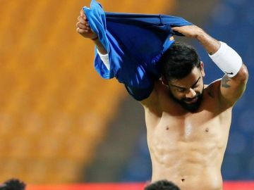 Virat Go Shirtless