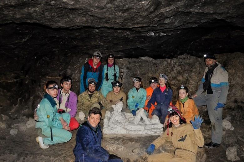 Екскурсії в печері Млинки