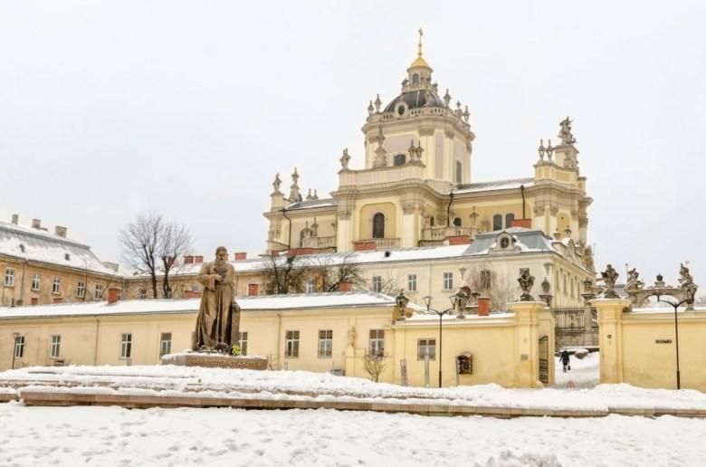 Собор святого Юра зима