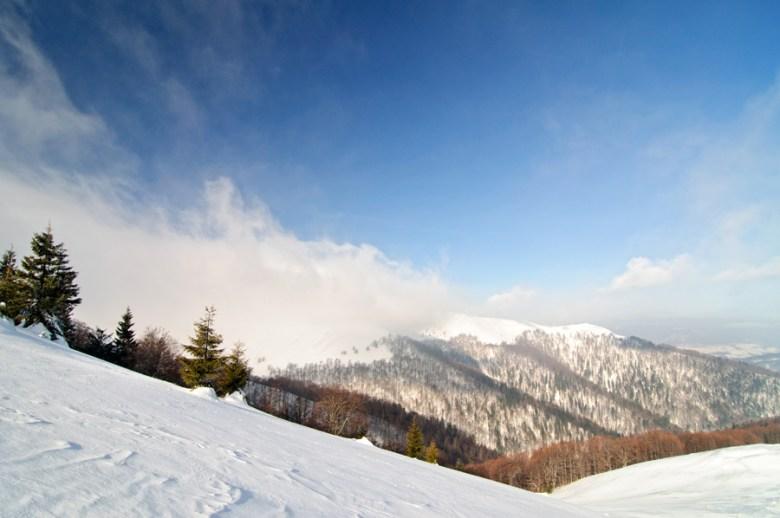 Зимой горы особенные.