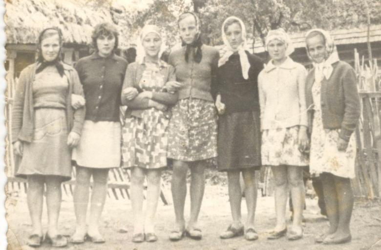 Девушки из села Волчье (1970-е годы)