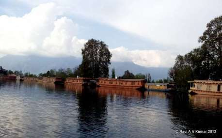 another day in paradise Kashmir
