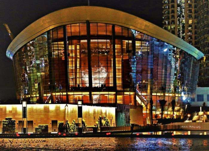 dubai opera house Interesting Things to See in Dubai (2)