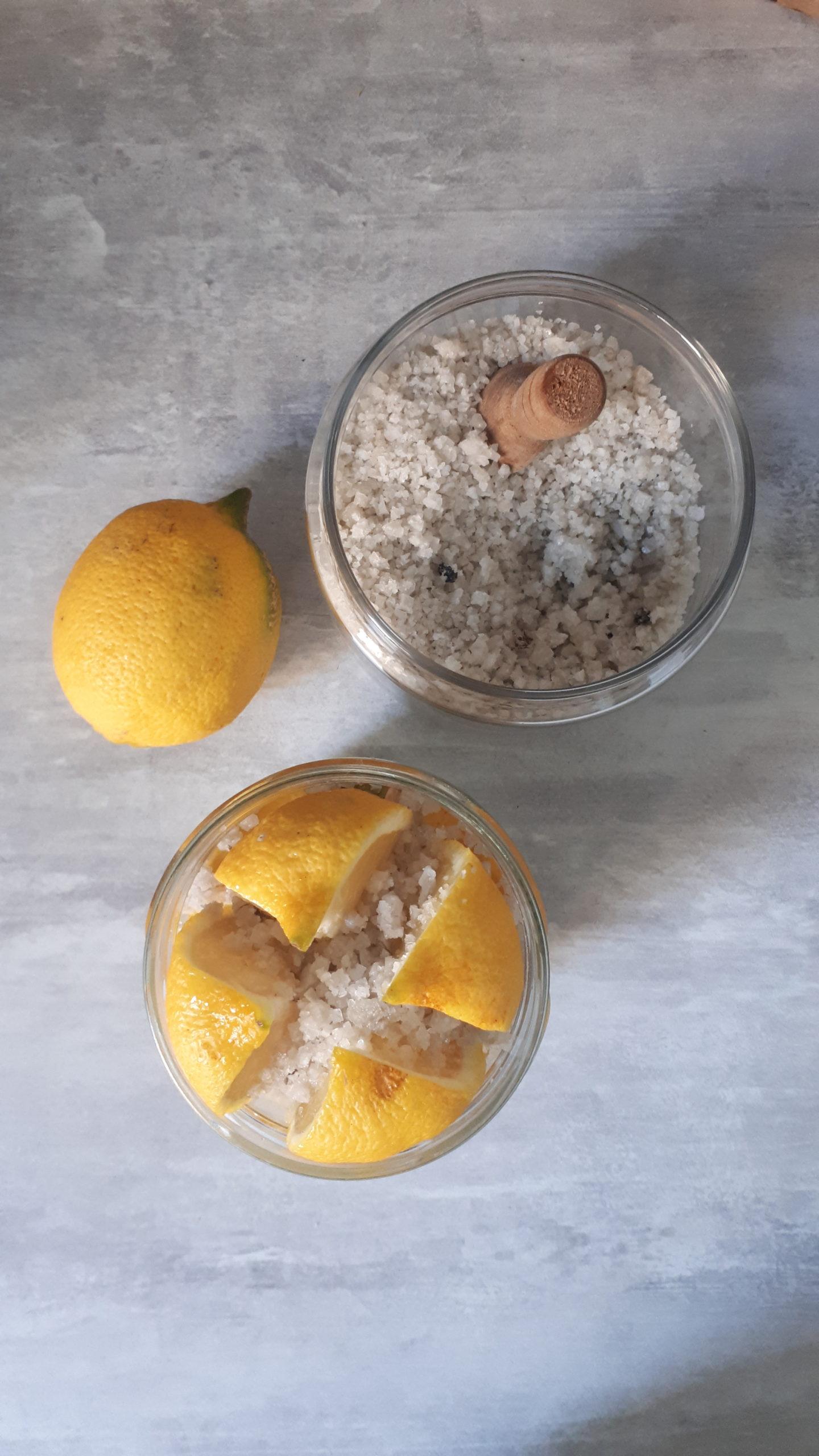 Citrons confits en cours de préparation