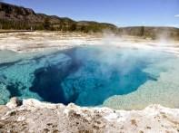 Monument geyser basinGran