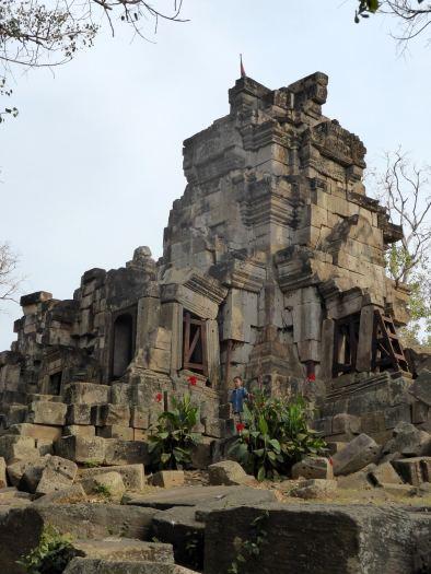 Aek Phrom temple