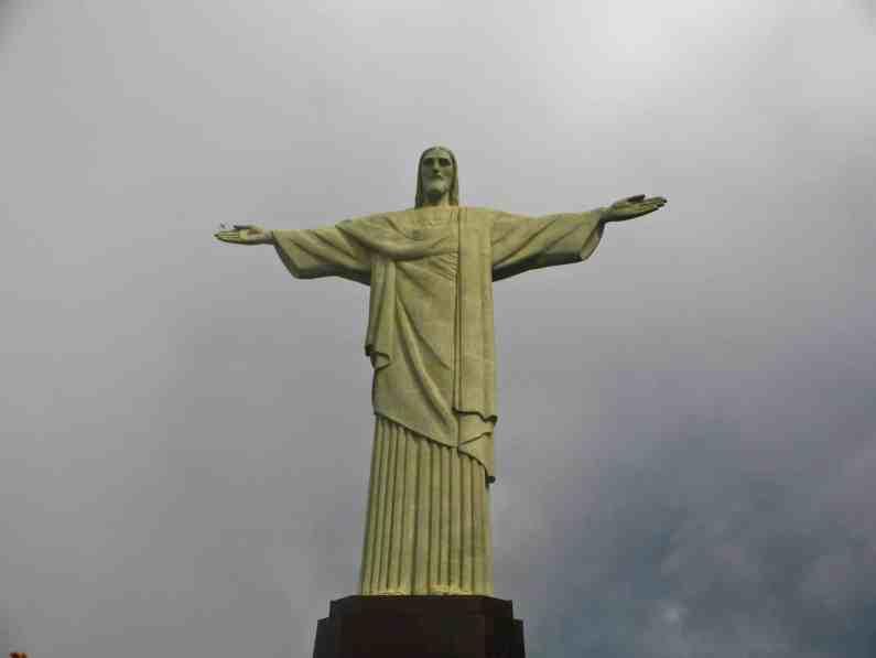 Corcovado dans les nuages-Rio de Janeiro-Brésil