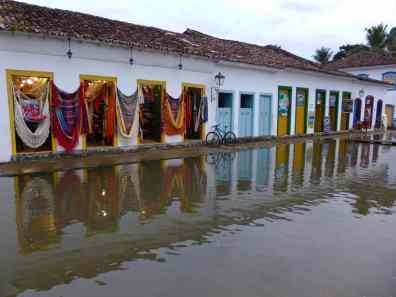 Rue marée haute Paraty-Brésil