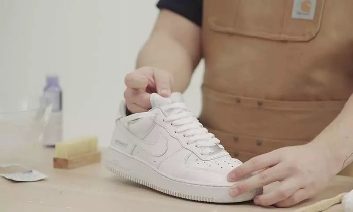 cleaning sneakers: Sneakers vs Shoes