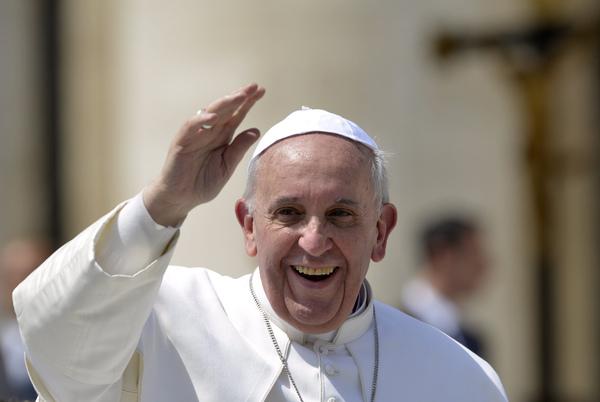 Le pape François parle aux sœurs contemplatives