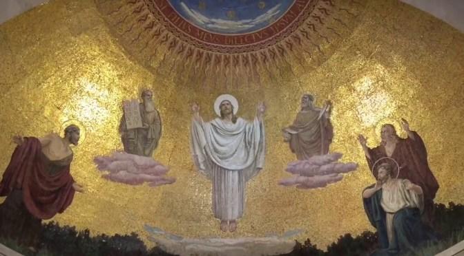Laissons  la lumière de Dieu pénétrer dans nos vies