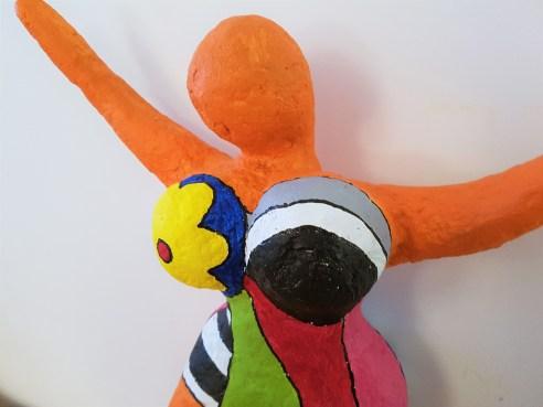 danseuses-nikki-saint-phalle-papier-mache-sculpture-3