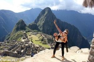 En las fotos por supuesto no se ve que Macchu Picchu está llenísimo de gente por todas partes. Lograr una foto sin nadie más es complicado