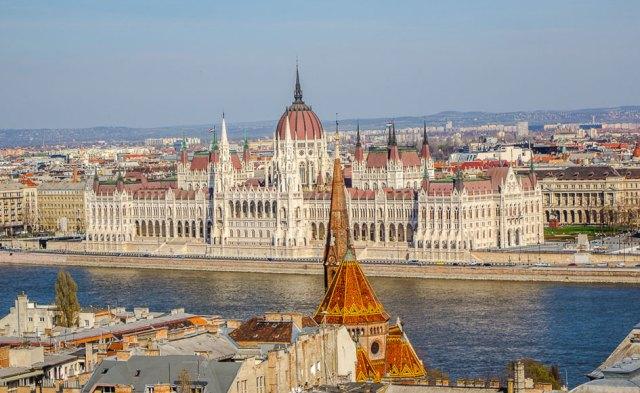 budapestonbike_parlament