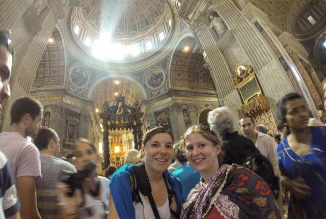 Kleidungsvorschrift im Vatikan und Petersdom