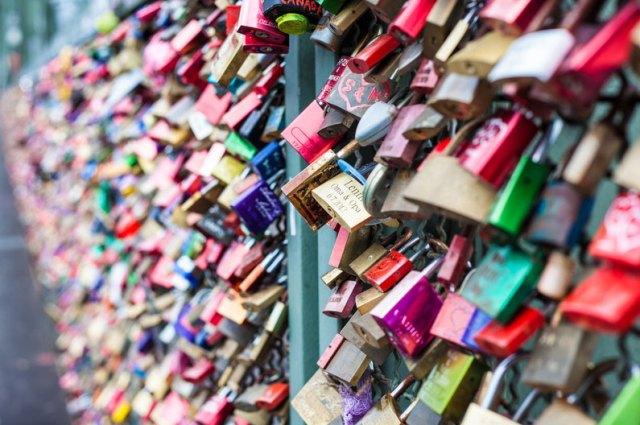 Die Liebesschlösser an der Kölner Hohenzollernbrücke